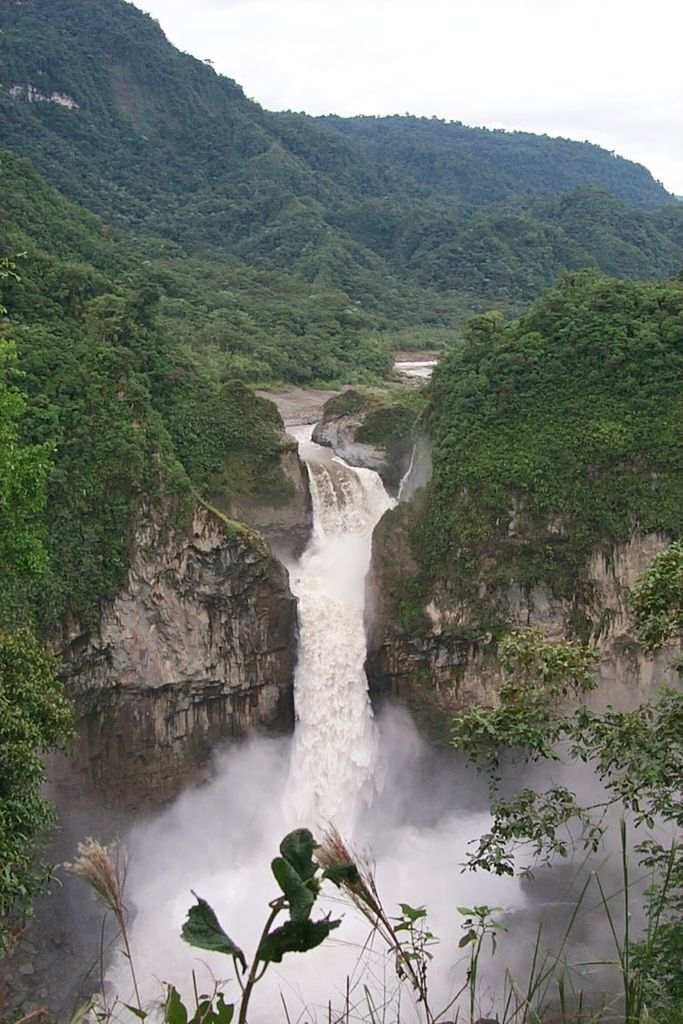 San Rafael Waterfall highest in Ecuador height 160 meters locatedconfluenceQuihosandSaladorivers