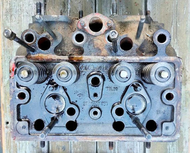 IFA-W50 головка блока двигателя 4 VD 14,5 / 12-1 SRW четырехтактный дизельный двигатель продам.