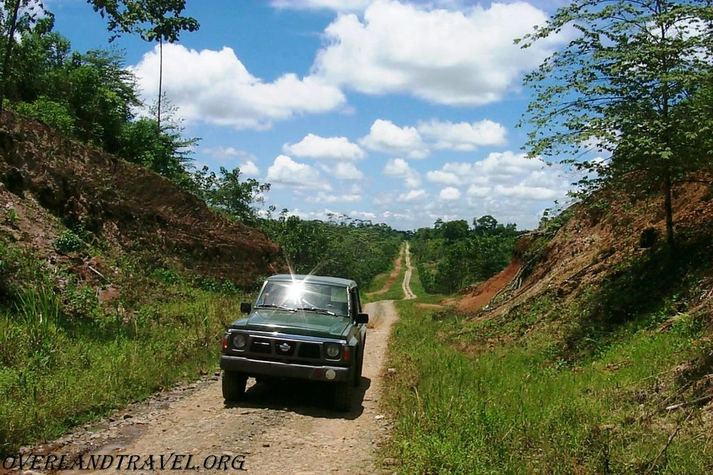 Эквадор, провинция Manabi, дорога в сторону океана.