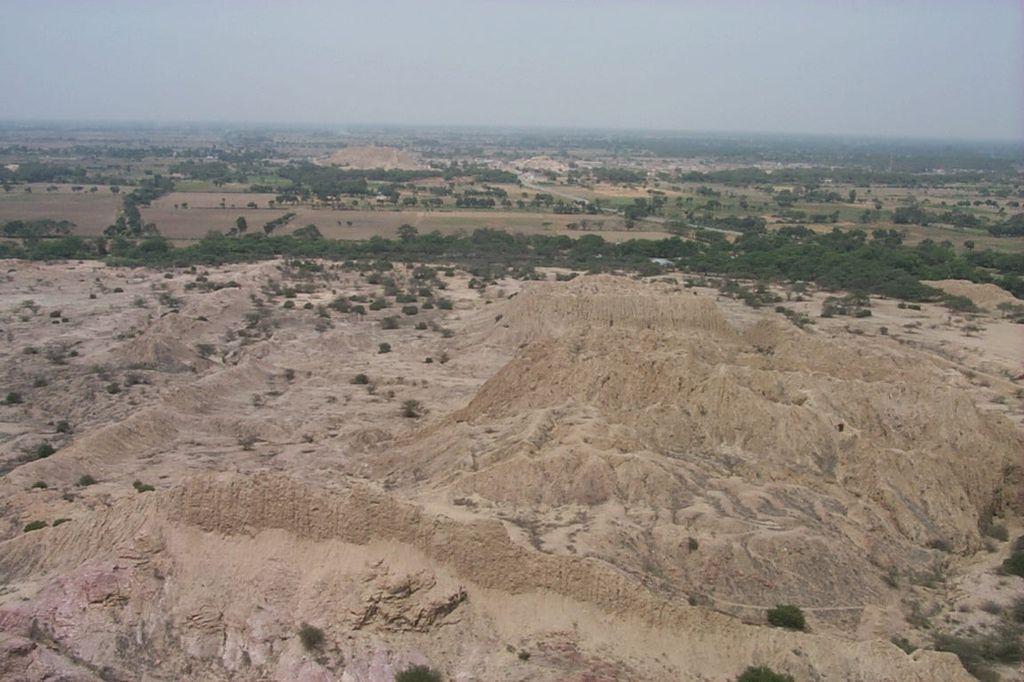 Перу. Долина Пирамид Тукуме около Чиклайо.