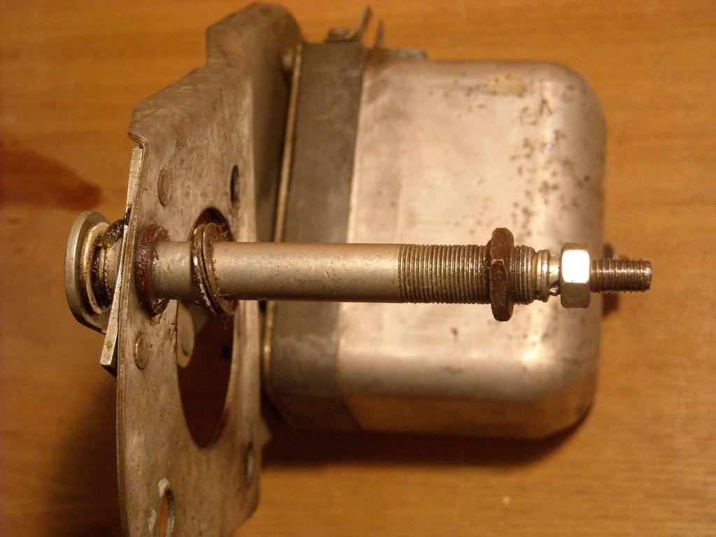 IFA-W50 механизм и электродвигатель стеклоочистителя.