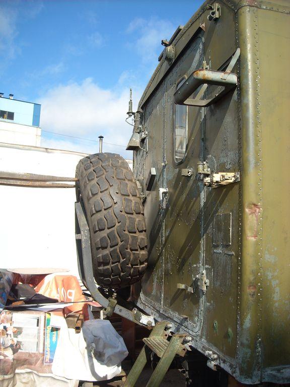 Грузовик ГДР ИФА-В50ЛА крепление запасного колеса на КУНГ. Truck GDR IFA-W50LA spare wheel mounting on KUNG.