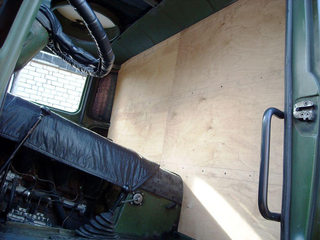 Грузовик ГДР IFA-W50 ИФА-В50 кабина утепление шумоизоляция виброизоляция.