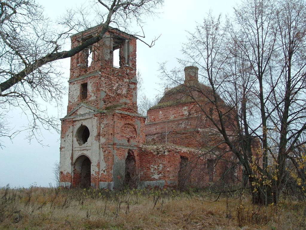 Overland Travel Russia Moscow region ruined church