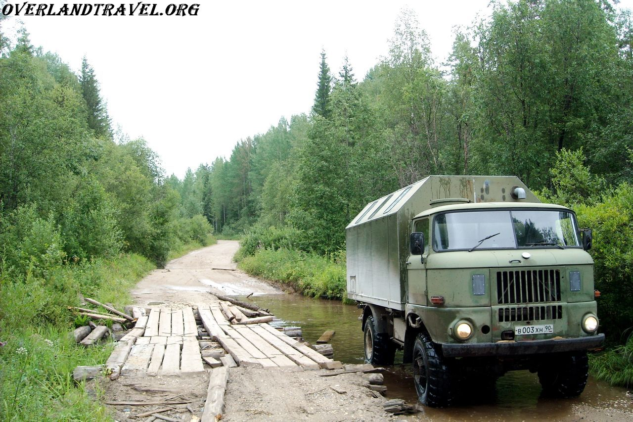 Russia, Arkhangelsk region road R1, Kargopol District. IFA-W50LA.
