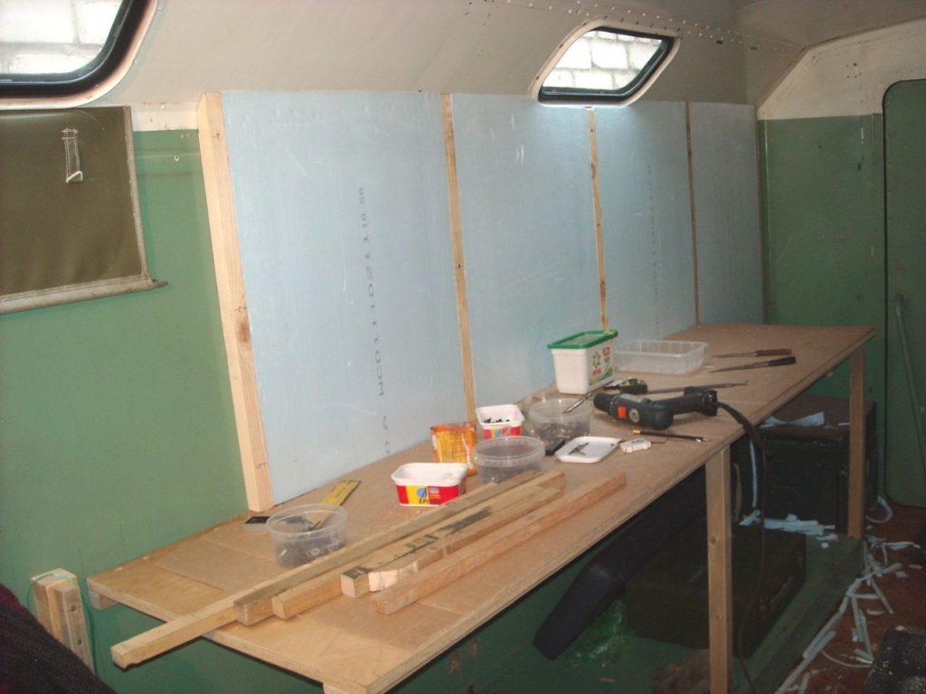 Кемпер ИФА-В50 дополнительная теплоизоляция КУНГа. Truck IFA-W50LA 4x4 wall insulation camper.