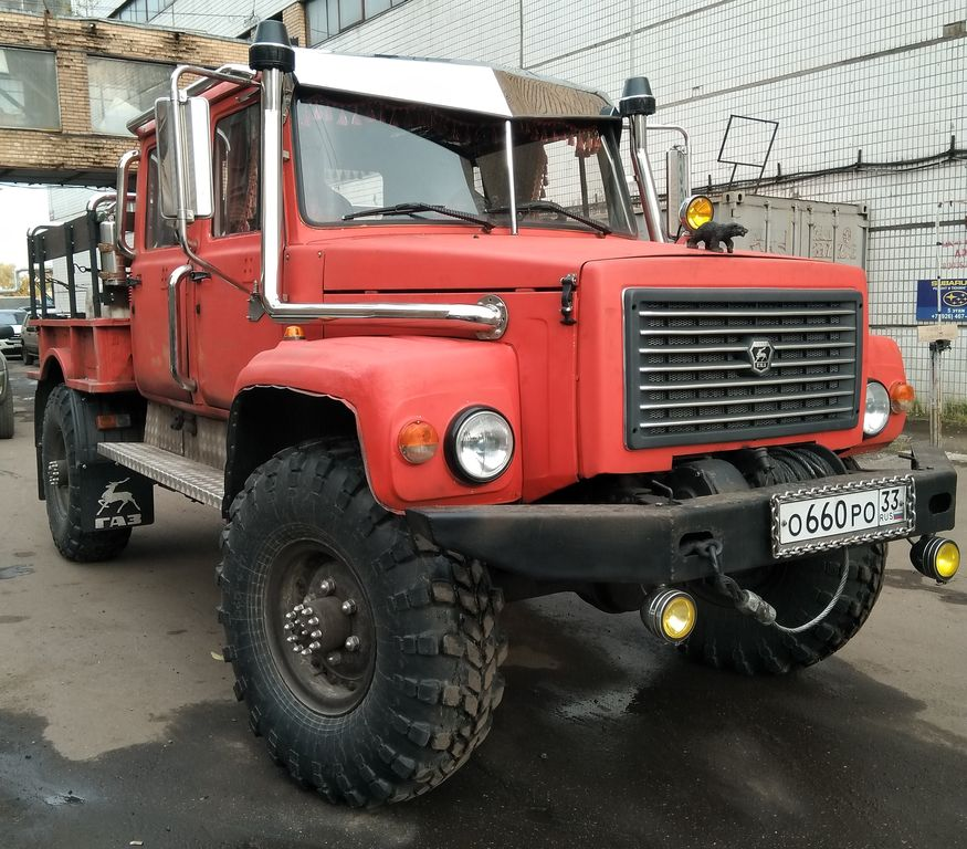"Газ 33081 Егерь Gorky truck GAZ-33081 ""Eger"" Russia countries world industries, including the military."